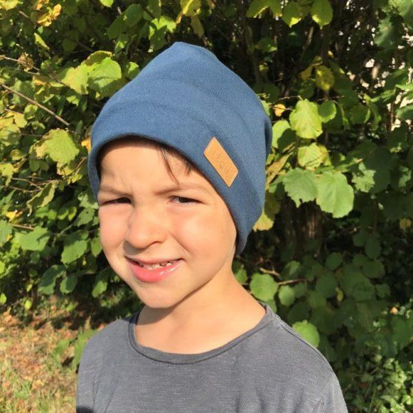 Bonnet enfant bleu de face