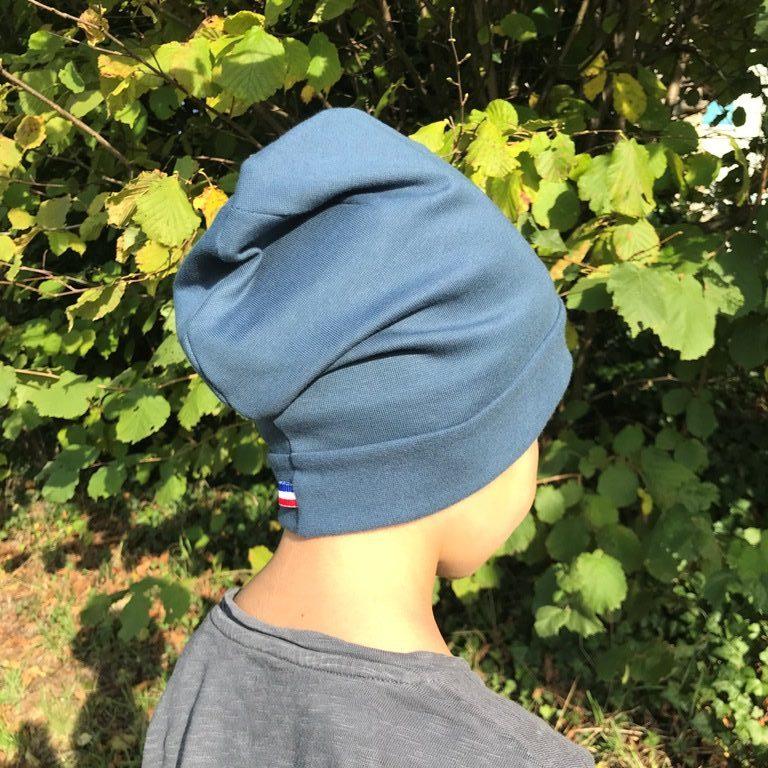 Bonnet enfant de dos