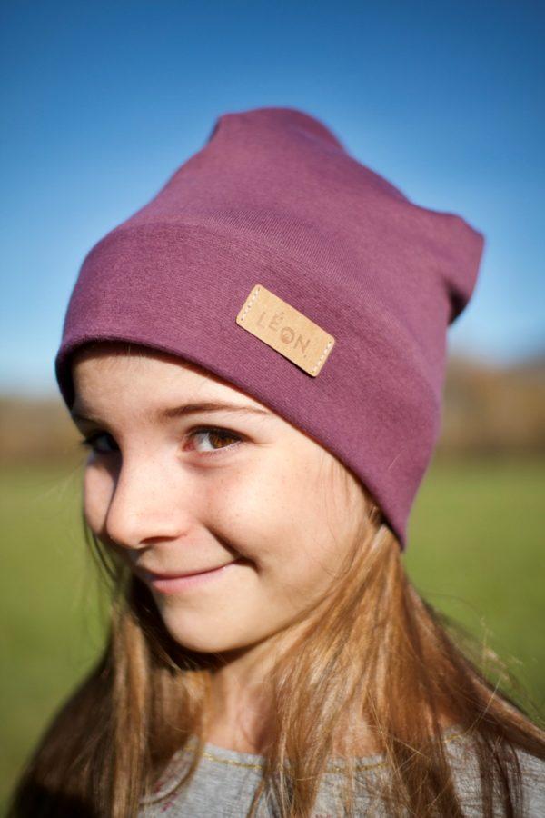 Bonnet enfant violet de face