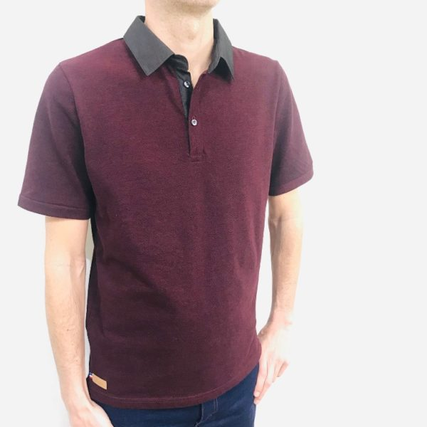 Polo bordeaux de face